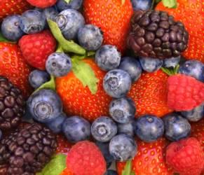 Problemi a letto? Frutti di bosco e vino rosso viagra naturale