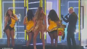 Sofia Vergara balla con PitBull3