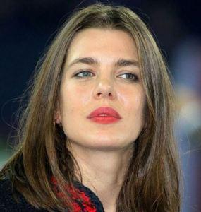 Charlotte Casiraghi news, la decisione (drastica) che spiazza