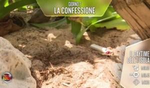 Isola dei Famosi: accendino per il fuoco? Aristide svela tutto