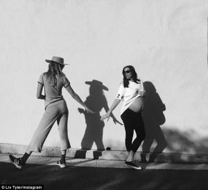 Lyv Tyler incinta del terzo figlio su Instagram3