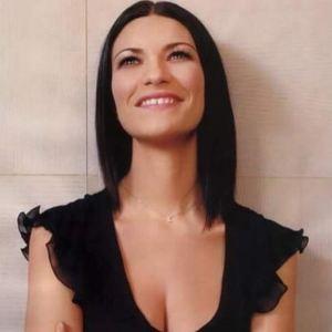 Laura Pausini live San Siro apre stagione grandi concerti Canale 5