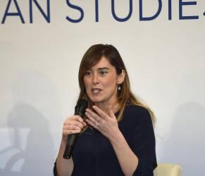 Maria Elena Boschi, look bocciato: blu e nero abbinati FOTO