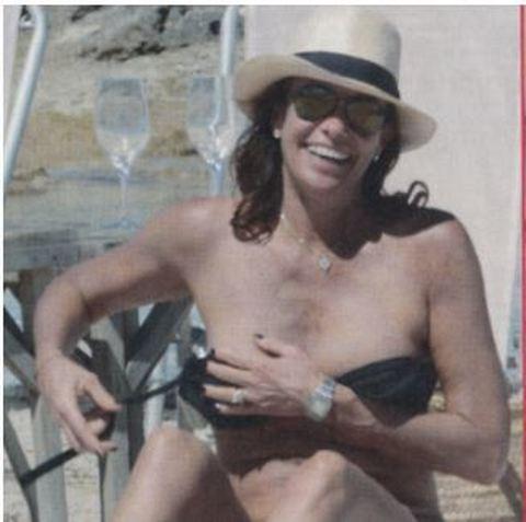 Cristina Parodi a Formentera topless e lato B in forma a 51 anni 3