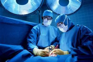 """Ginocchia, inutile operarsi: """"Stesso effetto di antidolorifici"""""""