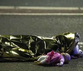 Attentato a Nizza, donna poliziotto eroe: ha ucciso il killer