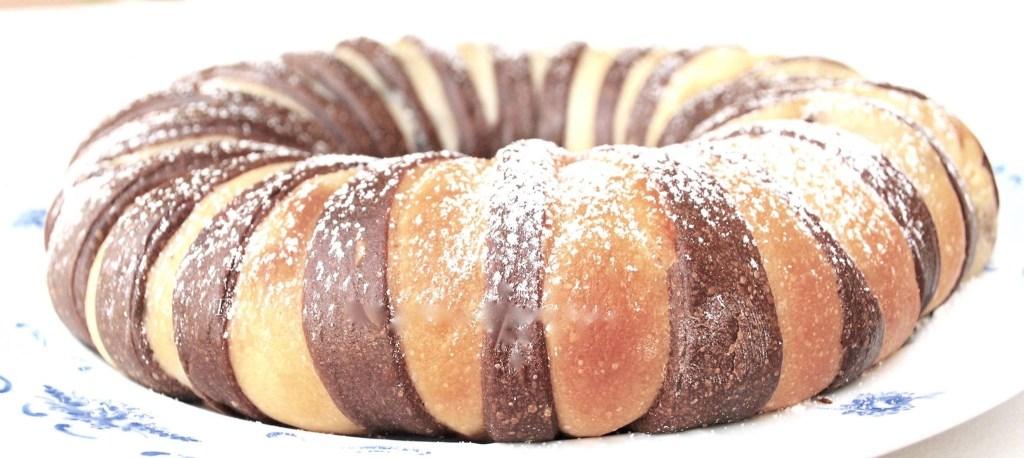 Corona Ricotta Pere e Cioccolato