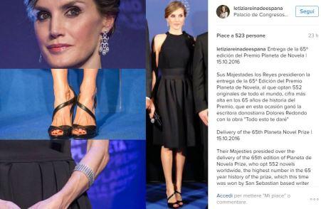 Letizia Ortiz chic: pantaloni neri, maglia bianca e tacchi FOTO
