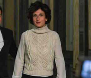 Agnese Renzi e quel gilet bianco, immagine del post-referendum