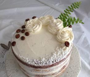 Layer Cake Caffè e Cioccolato con Frosting al Mascarpone