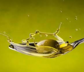 Infarto, 4 cucchiai di olio al giorno aumentano il colesterolo buono