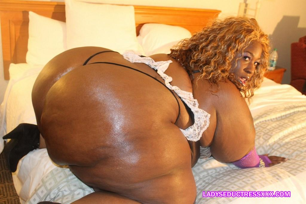 ssbbw big lizz farm girl