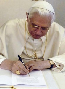 Porta Fide Carta Apostólica del Papa Benedicto XVI donde se nos anuncia el Año de la Fe