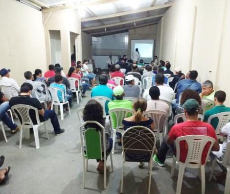 Pré-candidatos durante a reunião