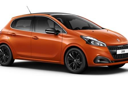 peugeot 208 restylee 2015 826x466