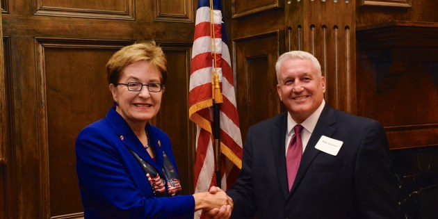 US Rep. Marcy Kaptur strongly endorses re-election of Lakewood Mayor Mike Summers