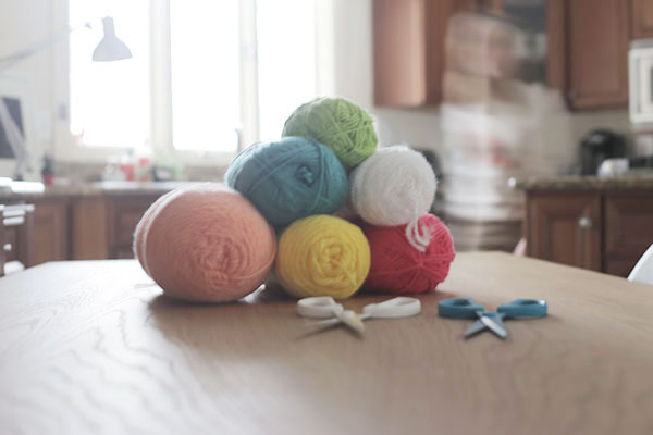 POM-POM-SUPPLIES-VIA-LA-LA-Lovel