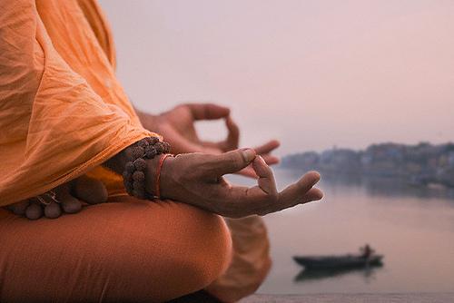 Il Potere dei Mudra - Equilibrio, vitalità e serenità con lo yoga delle mani