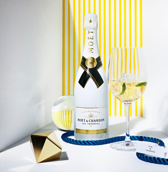 Moët & Chandon también se apunta a esto de refrescar el verano y por fin ha conseguido crear el champán perfecto para tomar con hielo: Moët Ice Impérial. © Moët & Chandon