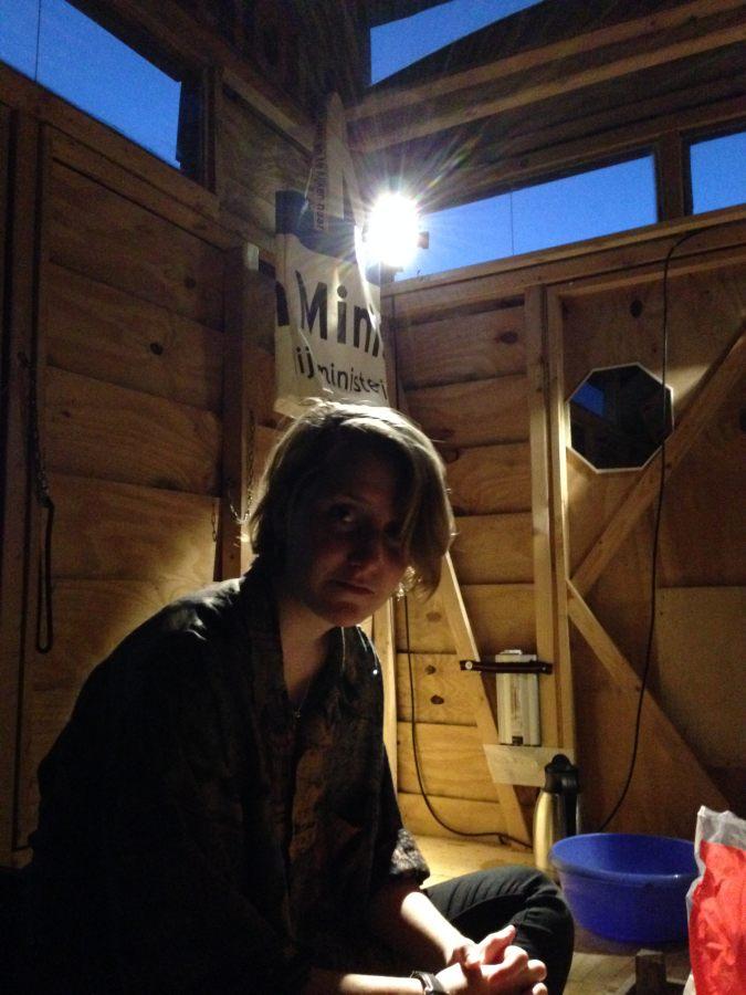 Esther de Jong aan het werk in de TAIR.