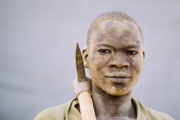 Ouedrago Alassan, 19 years old is a gold miner in Tamiougou, Burkina Faso. Ollivier Girard/ CIFOR
