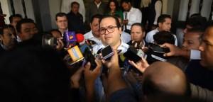 Se fortalecen versiones sobre salida de Javier Duarte; acude a Segob