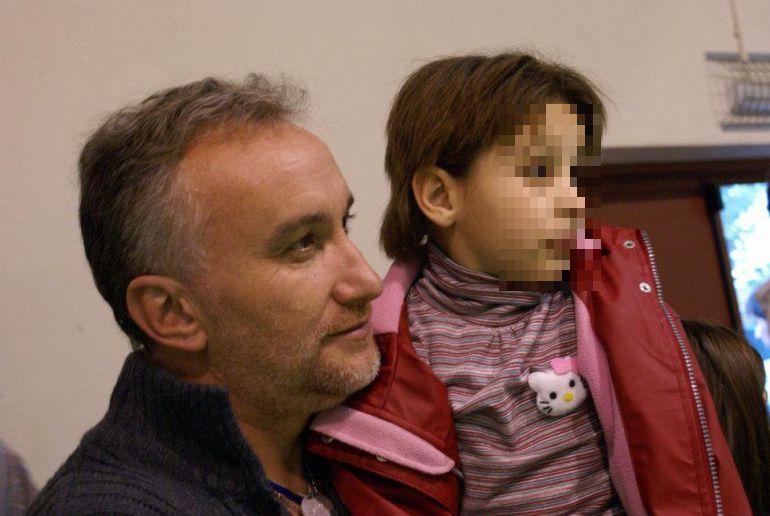 Ordenan prisión provisional para el padre de Nadia tras estafa de donaciones