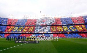 Camp Nou recrea torre humana y homenajea al Chapecoense
