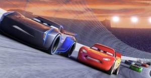 """Pixar muestra qué provocó el accidente de """"El Rayo"""" McQueen en el primer tráiler de Cars 3"""