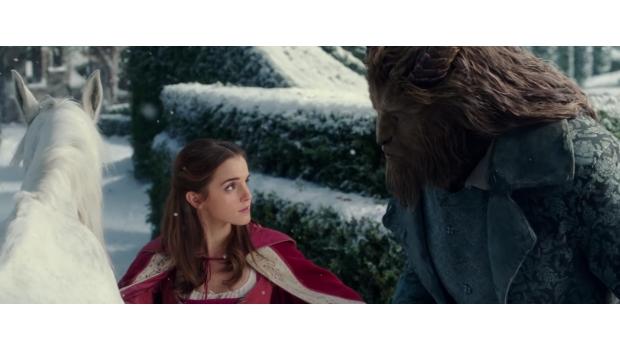 Emma Watson canta en el nuevo promocional de La Bella y La Bestia