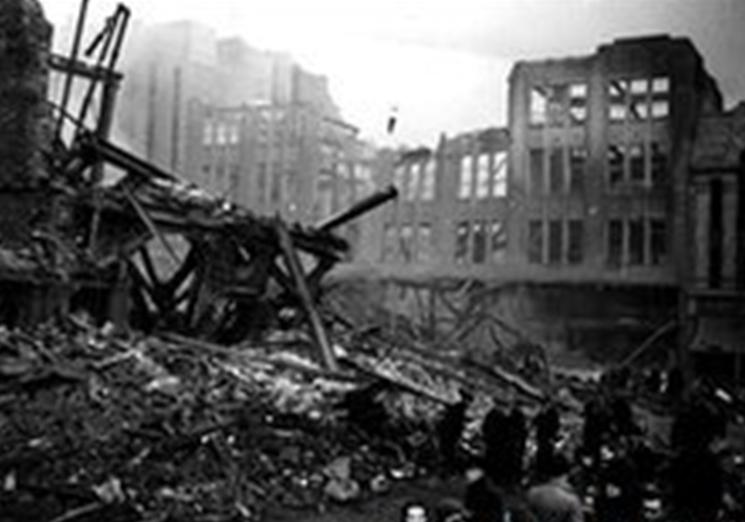 Sheffield Blitz ©Sheefield Newspaper