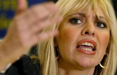 alessandra mussolini critica lo spot della tim e la top model Bianca Balti
