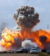 guerra-Libia-2011-esplosione-tripoli