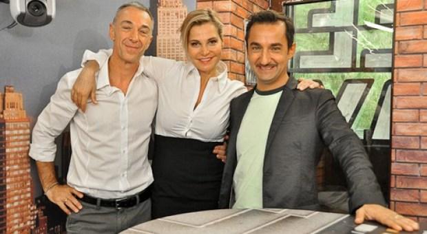 Foto di Nicola Savino con Lunis e Simona Ventura in radio