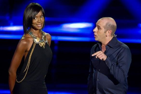 Checco Zalone e Youma Diakite Resto Umile World Show Foto