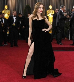 Foto Angelina Jolie spacco vertiginoso