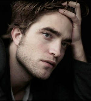 robert-pattinson smentisce il matrimonio