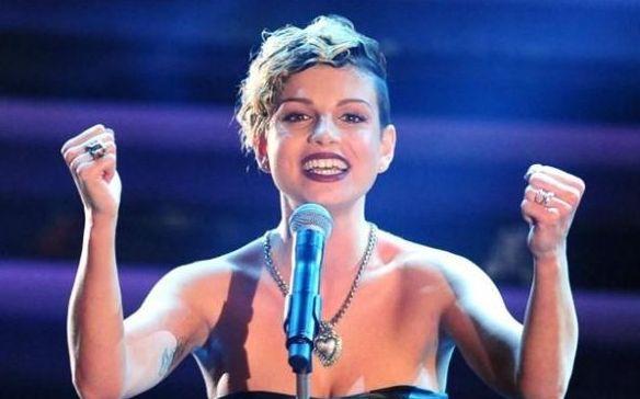 Foto di Emma Marrone a Sanremo 2012