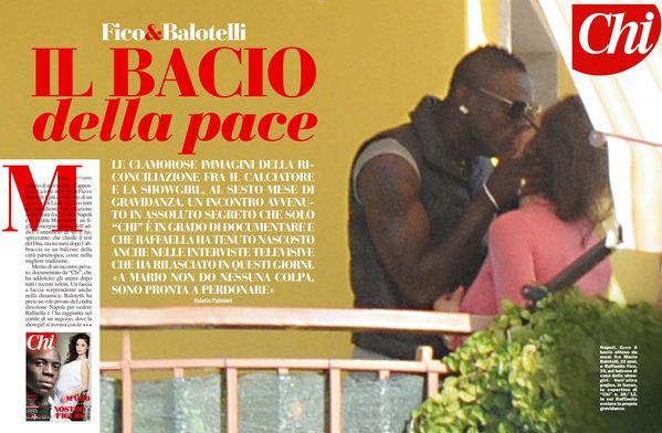 Foto di Raffaella Fico e Mario Balotelli che si baciano