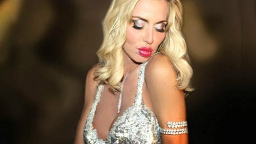 Valeria Marini aggredita a Bari: le condizioni di salute della showgirl