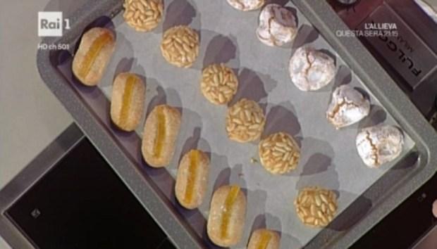 foto biscotti mandorle Ragona