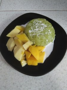 coconut-sticky-rice-with-mango