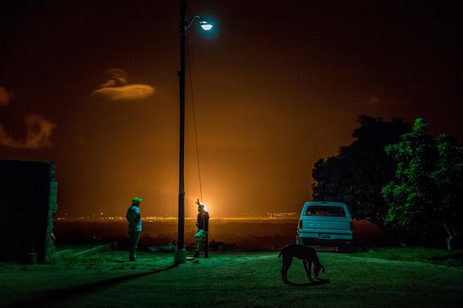 La quema de gas en Venezuela está creciendo a uno de los ritmos más rápidos del mundo, según el Banco Mundial. PHOTO: MIGUEL GUTIÉRREZ PARA THE WALL STREET JOURNAL