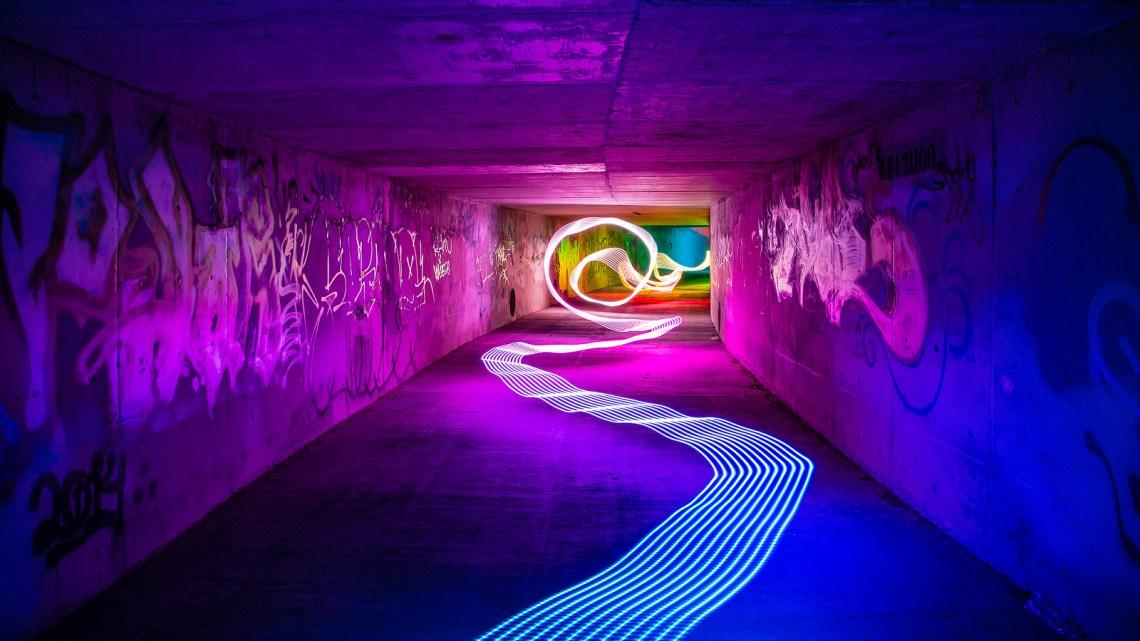 'Electromagnetic waves' obra de John Getchel