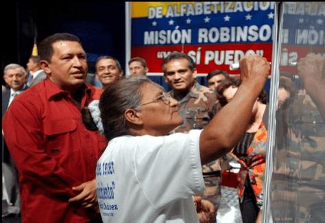 """En 2005 la Unesco declaró a Venezuela """"territorio libre de analfabetismo"""". Foto: Minci"""