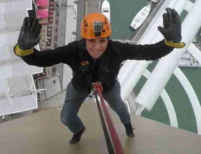 Tania Sullivan spinnaker tower abseil 1