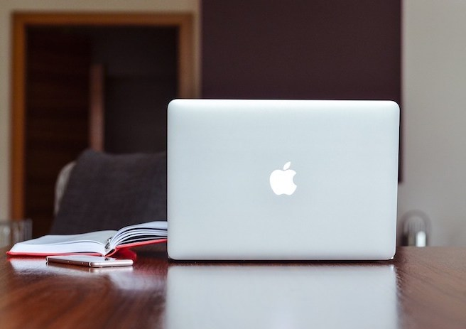apple mac and notebook