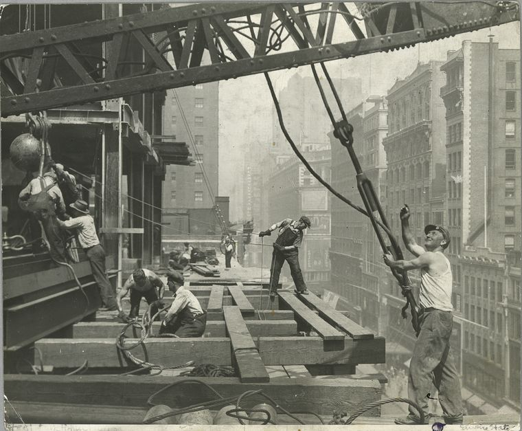 vintage-construction-site-empire-state-building-6