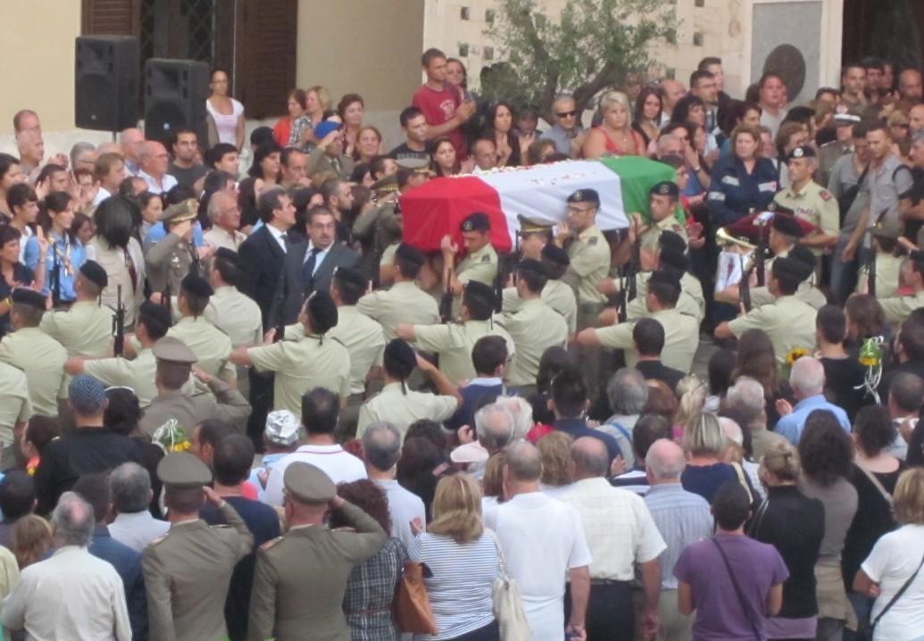 aprilia-funerale-massimo-di-legge-0005