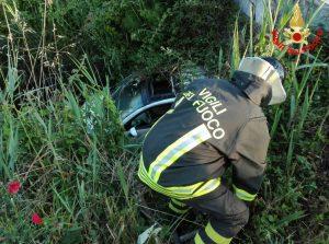 auto-circeo-incidente-vigili-fuoco
